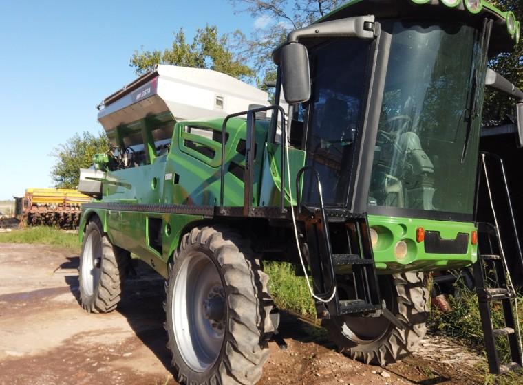 Fertilizadora Investa Terram 3000, año 2006