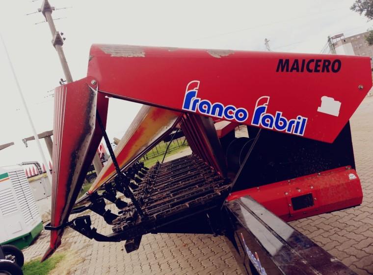 Cabezal Franco Fabril FFM 852, año 2015