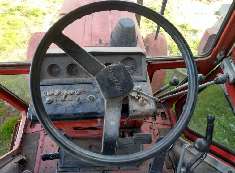 Tractor Belarus 85, año 1